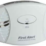 1-Carbon-Monoxide-Plug-In-Alarm-Battery-Backup-120V-AC-plug-in-alarm-Testsilence-button-CO605-0