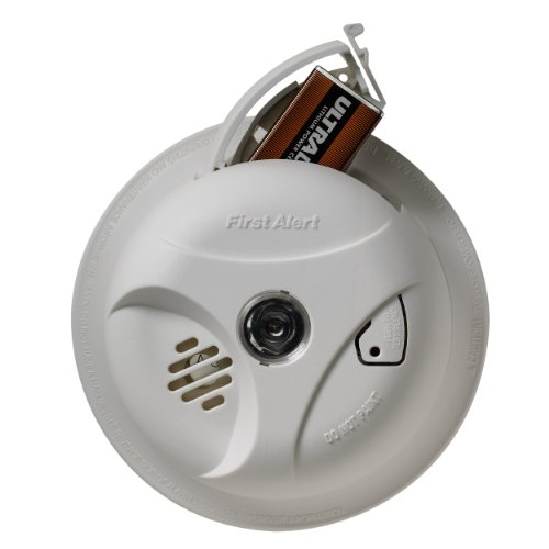 First-Alert-SA304CN3-Smoke-Alarm-with-Escape-Light-0-1