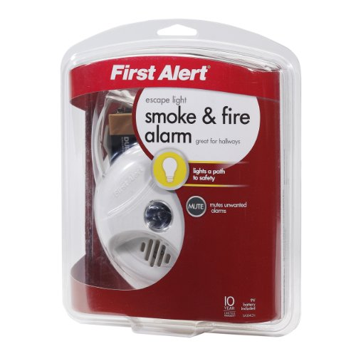 First-Alert-SA304CN3-Smoke-Alarm-with-Escape-Light-0-2