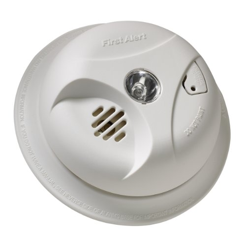 First-Alert-SA304CN3-Smoke-Alarm-with-Escape-Light-0